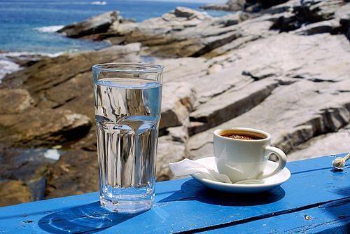 kávé tengerpart kékfeeling