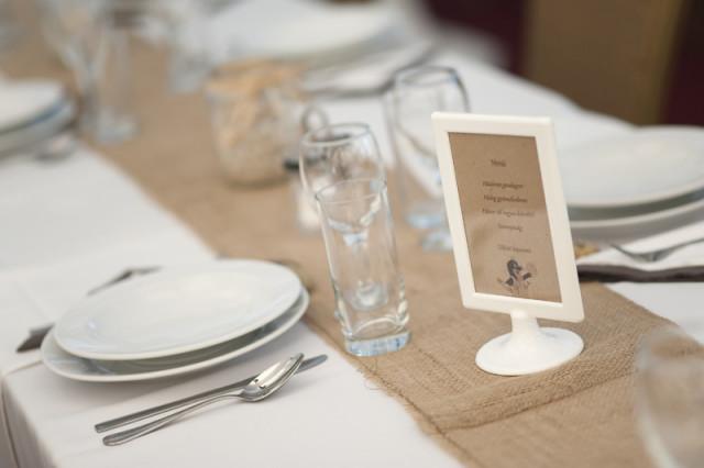 esküvőasztal
